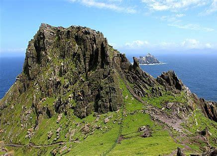 【スターウォーズ7】フォースの覚醒でルークがいた島の場所は?ロケ地の名前はスケリッグ・マイケル島!